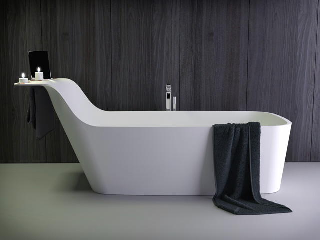 Pride freestanding bath